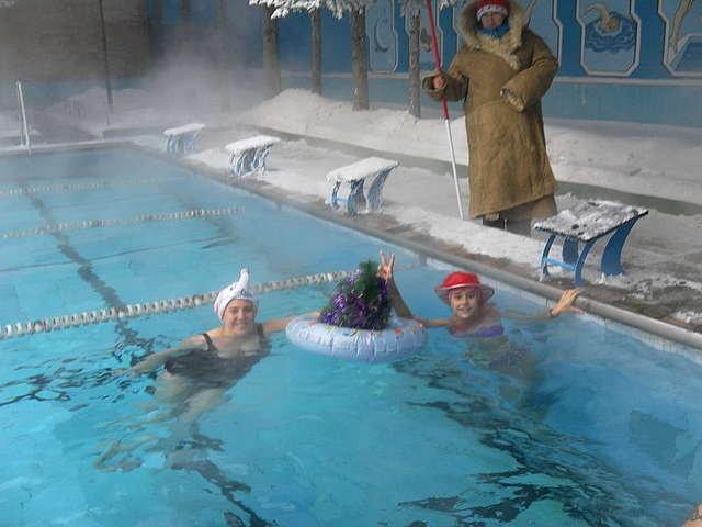 это спорткомплексы с бассейном в уссурийске Marmot Американская компания