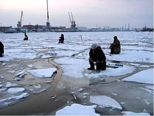 Рыбалка на льду опасна для жизни