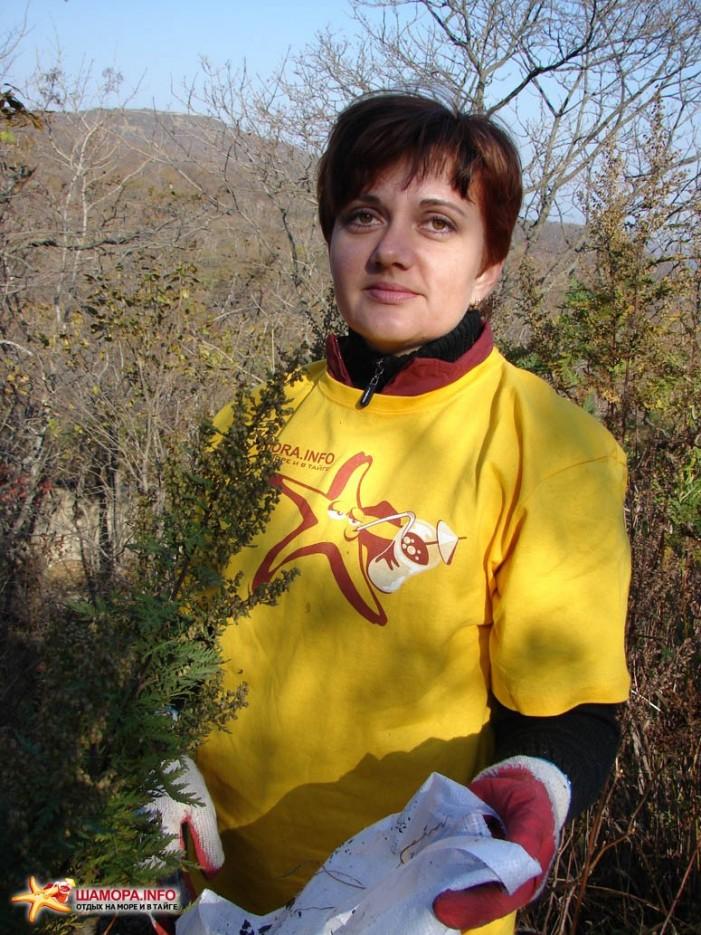 Ольга Ена — работник дружественной турфирмы :) | Субботник на форте №3 Владивостокской крепости