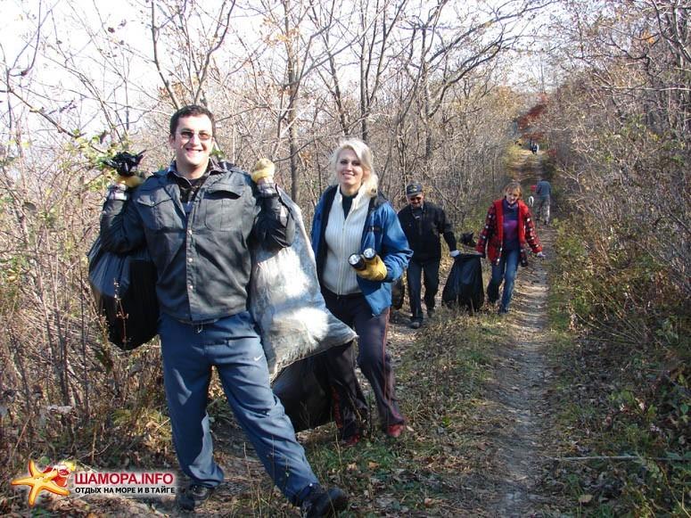 Участники экскурсий диггер-клуба активно помогали нам на акции :)   Субботник на форте №3 Владивостокской крепости