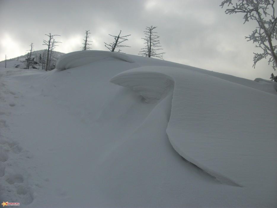 Снежная волна на хребте | На Пидан налегке