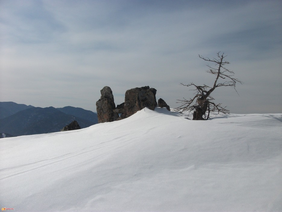 Любителям древних развалин... | Зима на Партизанском хребте