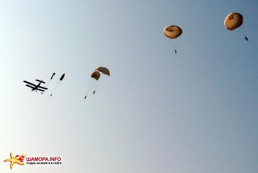 Фото 15943   парашютные прыжки в Арсеньеве 28 — 29 июня 2008г