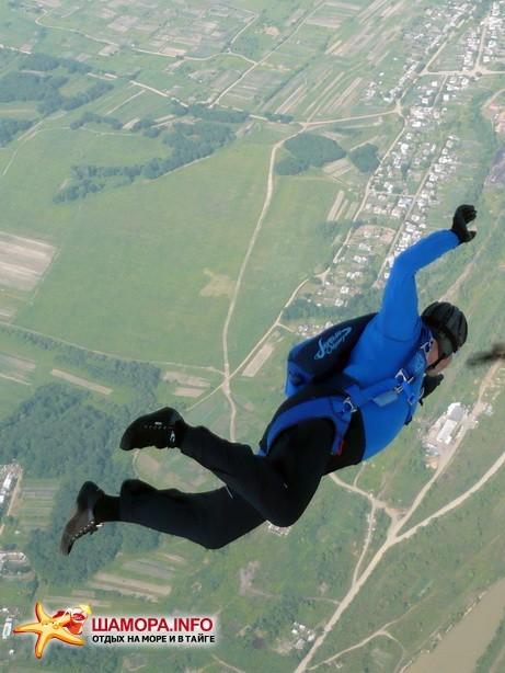 Фото 15947 | парашютные прыжки в Арсеньеве 28 — 29 июня 2008г
