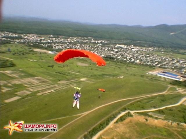 Фото 15950 | парашютные прыжки в Арсеньеве 28 — 29 июня 2008г
