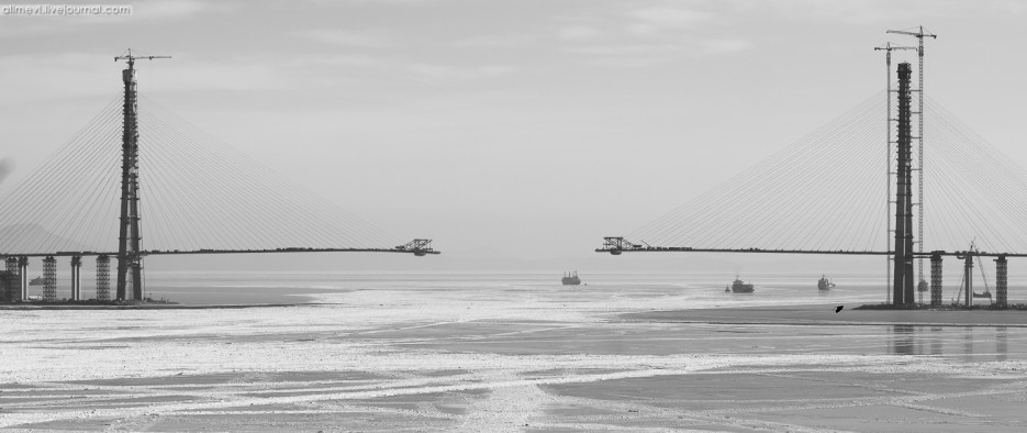 Мост на Русский остров | Море