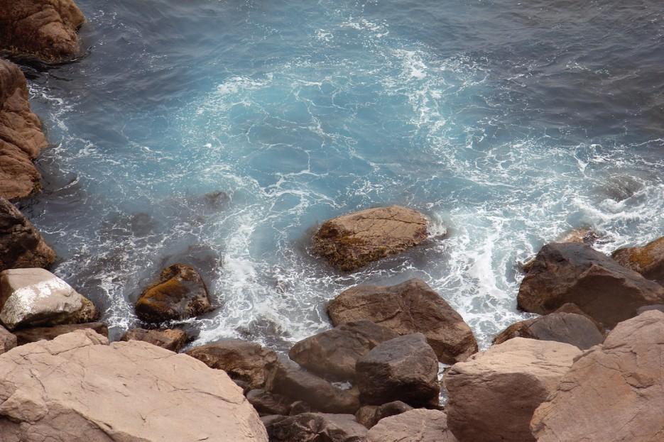 Волны бьющие в берег   Летние виды Преображения