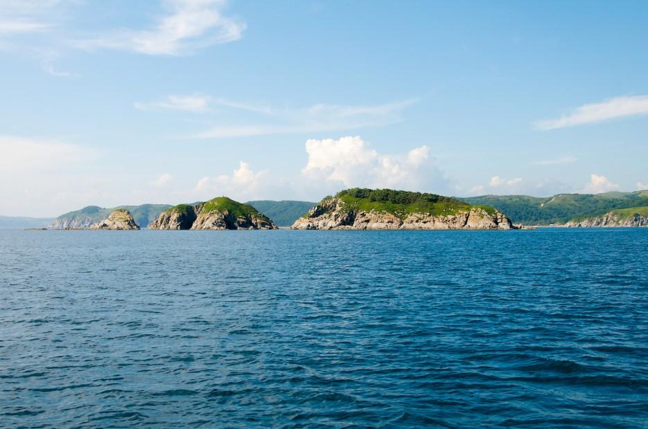 Скальные острова Таранцева в горловине бухты Витязь (бывшая Гамова) | Андреевка - Гамов
