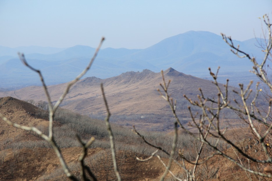 Гора Зубы Дракона.  На вершине сопки возле Славянки | Леса, реки, горы Хасанского района