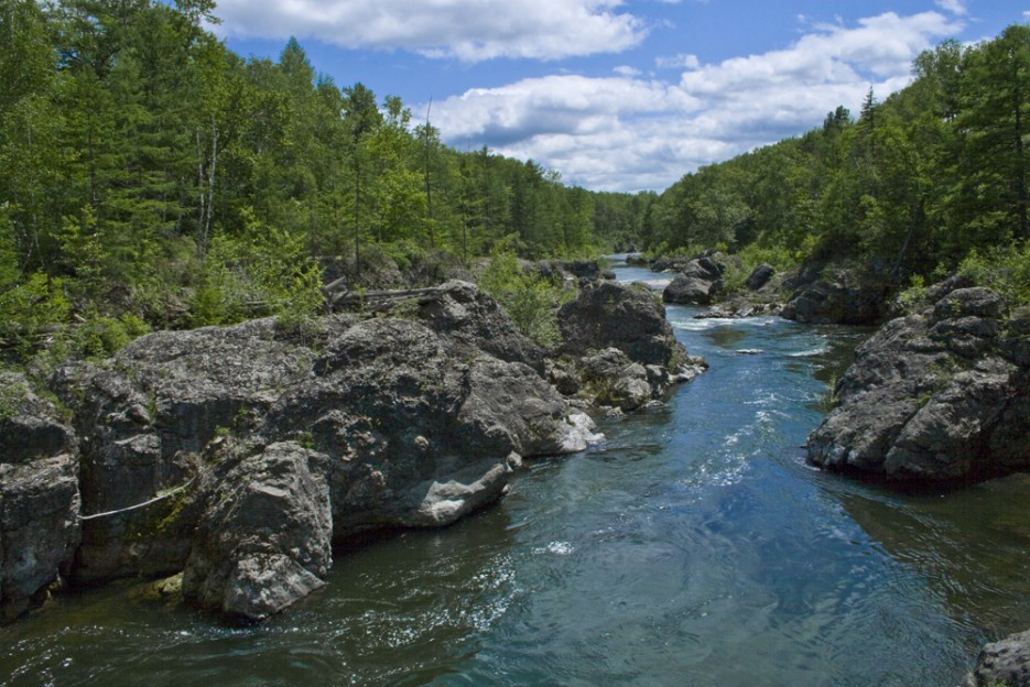 Кема - прекрасная чистая река. Отличное место для сплава, рыбалки и просто отдыха! | Сияние северного Приморья
