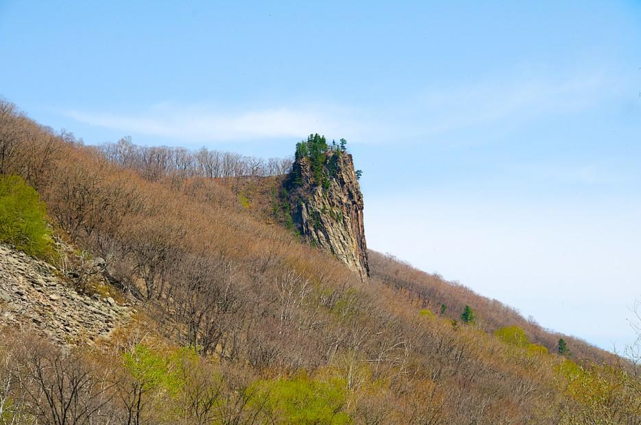 Знаменитое скальное образование в ущелье   Ущелье Щеки.
