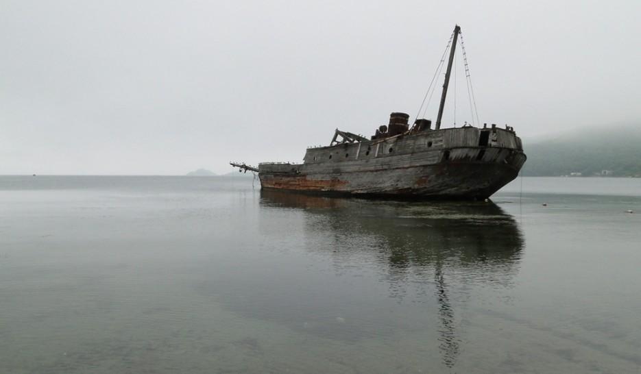 Шхуна в б.Витязь. | Полуостров Гамова, Хасанский р-он.