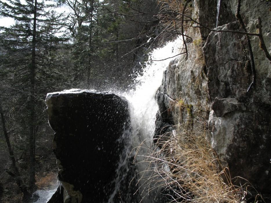 Водопад Тигровый. Шкотовское плато. | Водопады Горбатый и Тигровый поздней осенью.