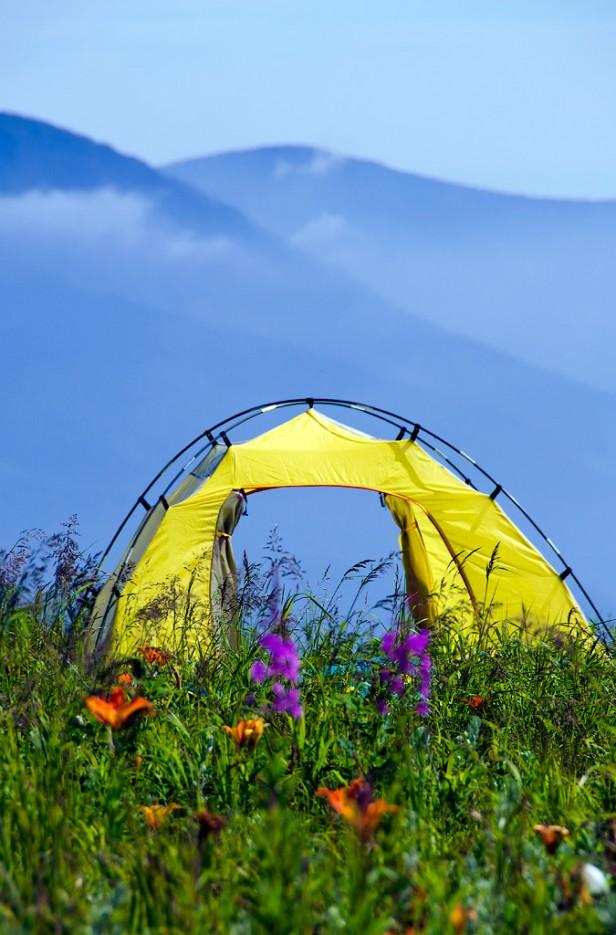 Пусть ветер гуляет в палатке моей. Вершина сопки Туманная. | Хребет Большой Воробей, г.Туманная