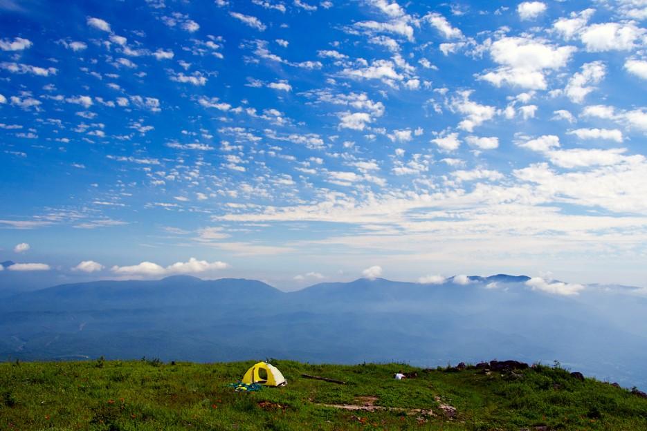 Под небом голубым. Вершина сопки Туманная. | Хребет Большой Воробей, г.Туманная