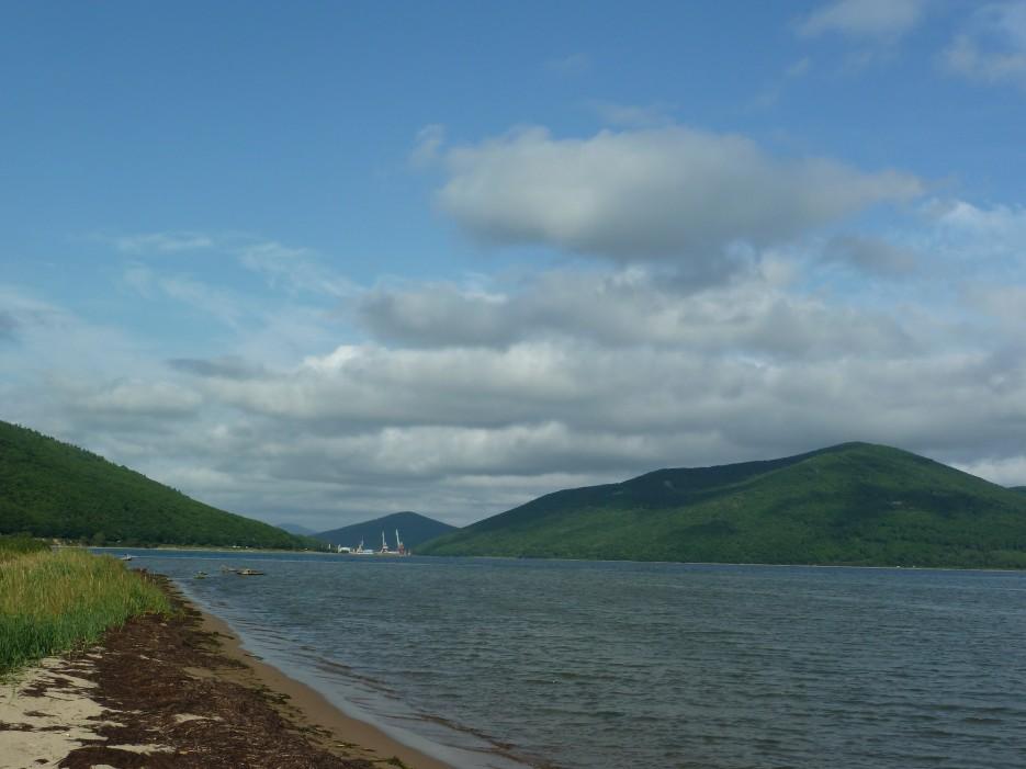 Залив Ольги и пляж называемый в народе Боры. И снова голубое небо и облака! | Ольгинский район