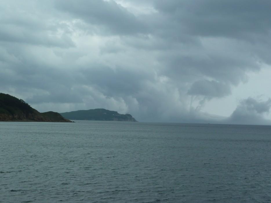 Сразу и не поймешь - из моря облако растет иль с неба в воду упадет! | Ольгинский район
