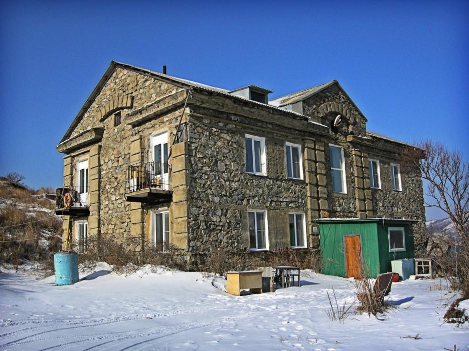лаборатория   Полуостров Гамов и бухта Витязь