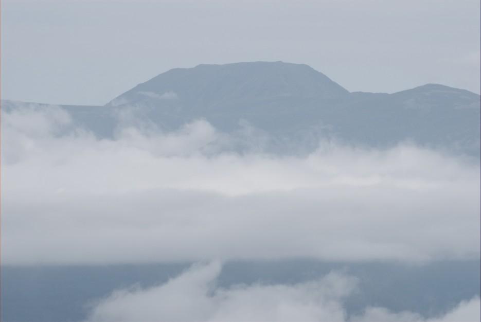 вид на гору Облачная. На пути к горе Сестра. Лазовский район. | Гора Сестра и хребет Зубы Дракона