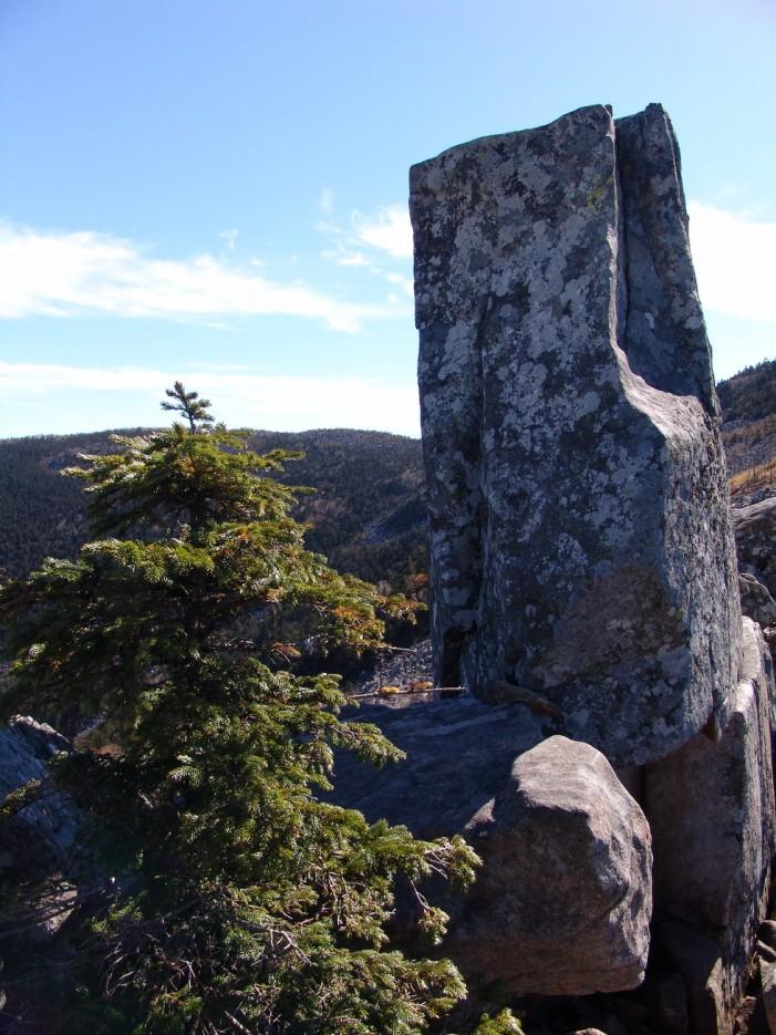 Камни горы Пидан. Шкотовский район. | Гора Пидан Ливадийского хребта. Шкотовский район.