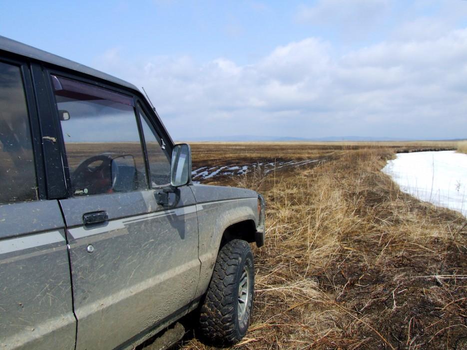 Джип на болотах | Весна на протоках и болотах реки Раздольной