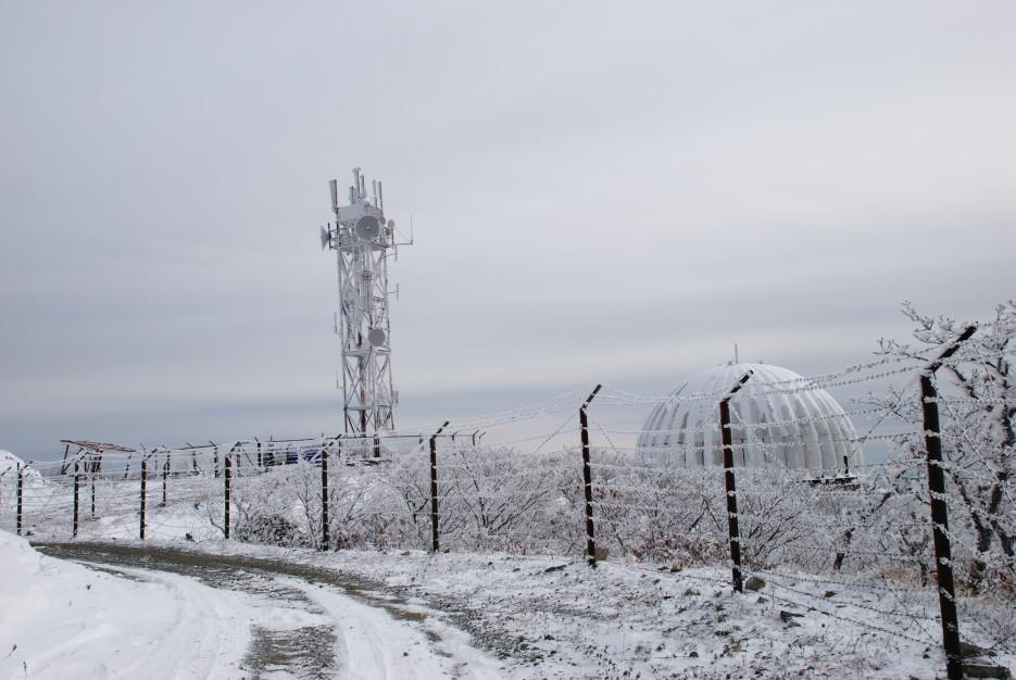 Эпичный заборчик   Партизанский район, выс. 1010 гора Чёрный куст