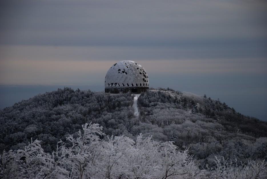 Заброшенный шарик | Партизанский район, выс. 1010 гора Чёрный куст