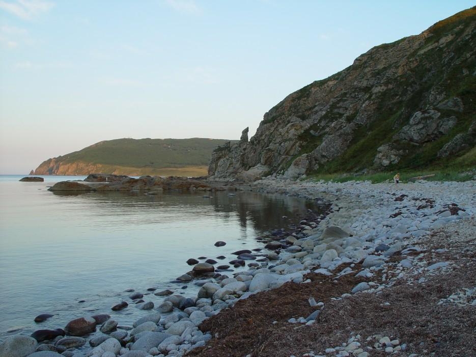 Каменный пляж   Залив Владимира
