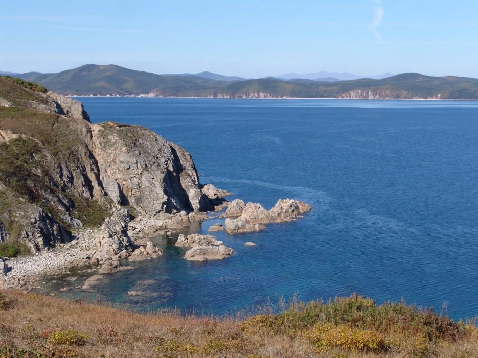 Скалы | Залив Владимира