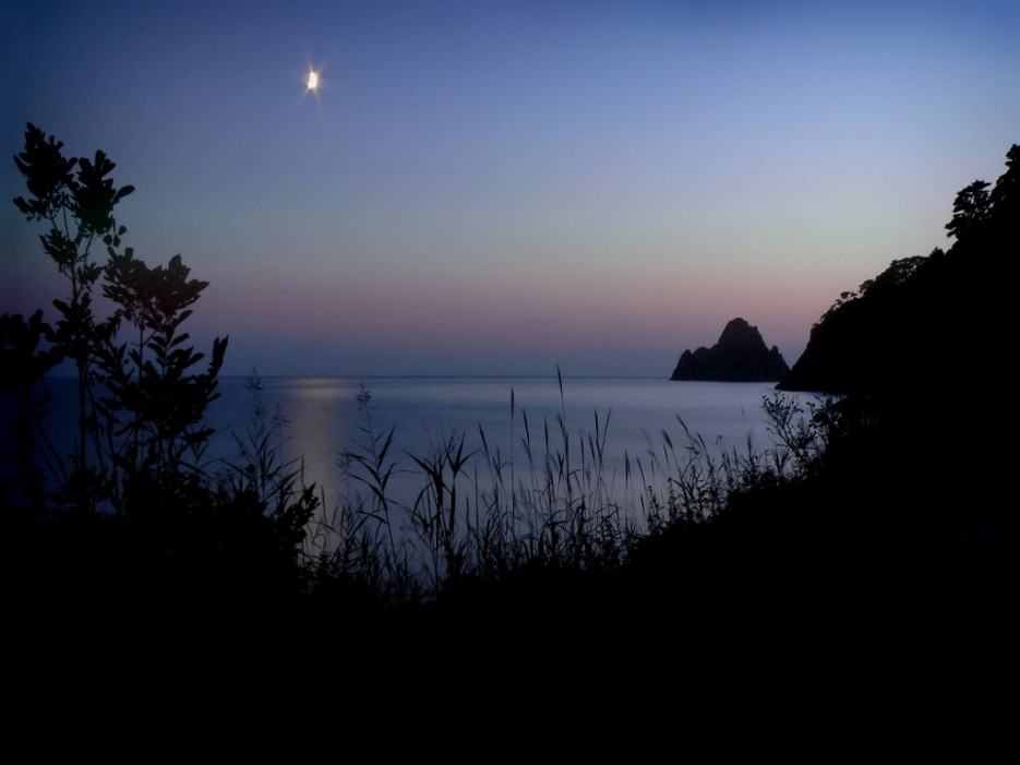 Ночь на бухте Алексеева. | А остальное - острова (Хасанский район) Альбом4