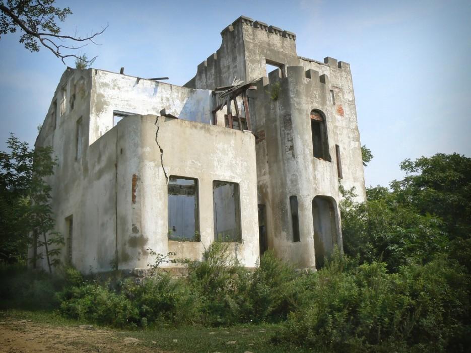 Замок Янковского... магазин... почта... развалины...   А остальное - острова (Хасанский район) Альбом4