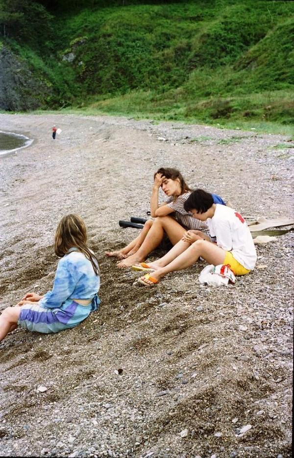 берег - крупный песок, галька. Воды нет. | полуостров Краббе. Прошлое тысячелетие.