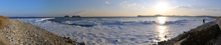 Панорама с перешейка полустрова Краббе на острова Большой и Малый гакель. | Панорамы Хасана.