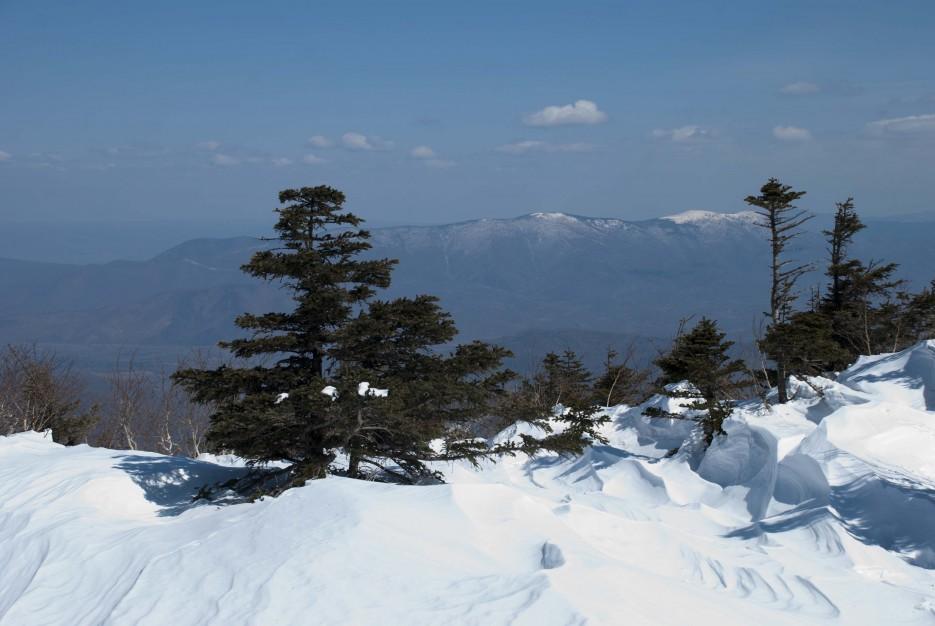 Замысловато выветренный снег | Гора Ливадийская (Пидан) 2012.04.07 Часть 2.