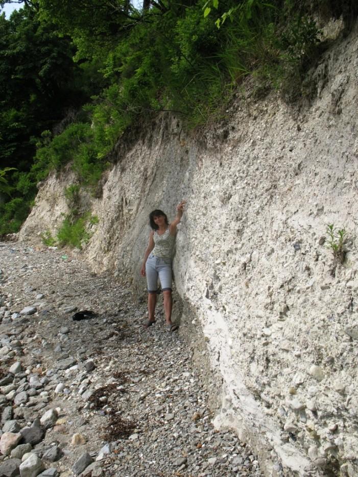 море сделало геологический срез... клада не было   Сидими. Бухта Табунная