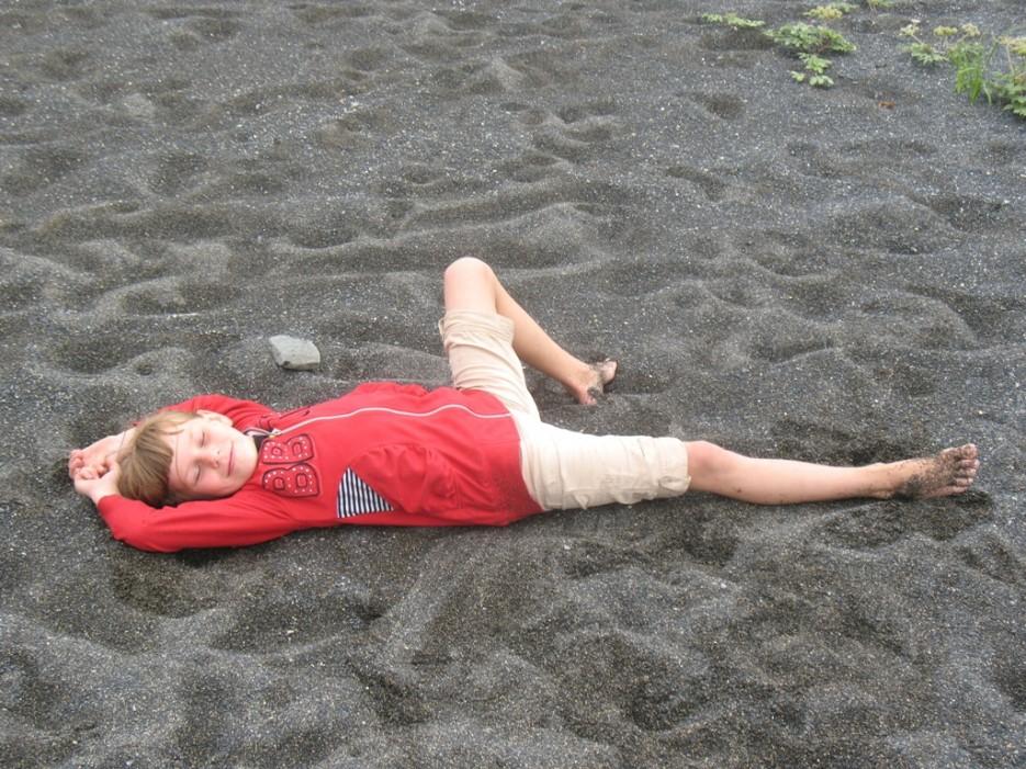 песок загорел, а я - нет | Зарубино