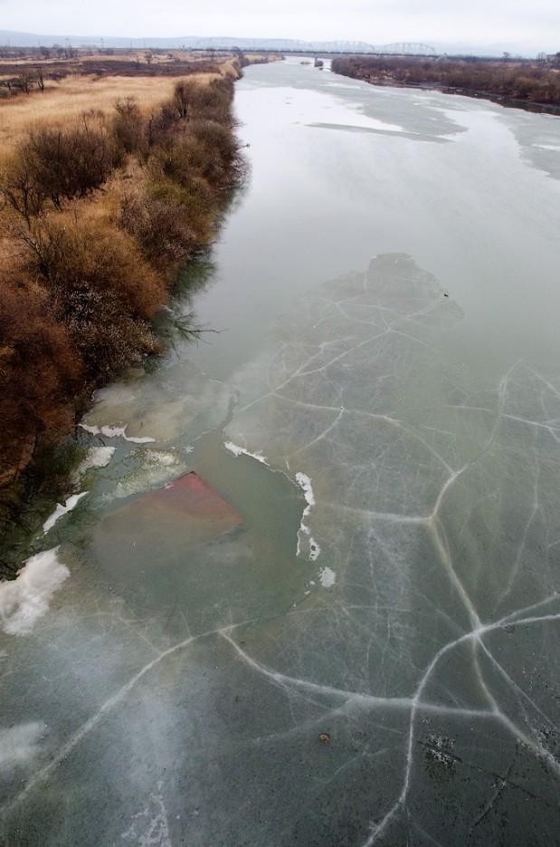 А на реке стоит ещё лёд. | Барановский вулкан. Надежденско-Уссурийский район.