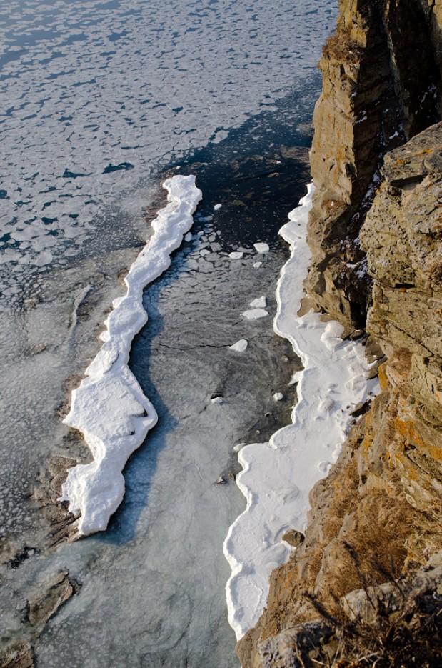 Последние льдины. Полуостров Тобизина. | Полуостров Тобизина и мыс Вятлина. Юго-восточное побережье острова Русский. Весна.