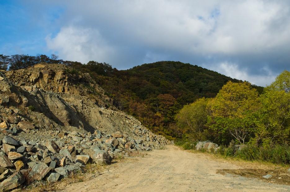 Каменный карьер.  Бухта Мелководная. | Южное побережье острова Русский. Залив Петра-Великого.