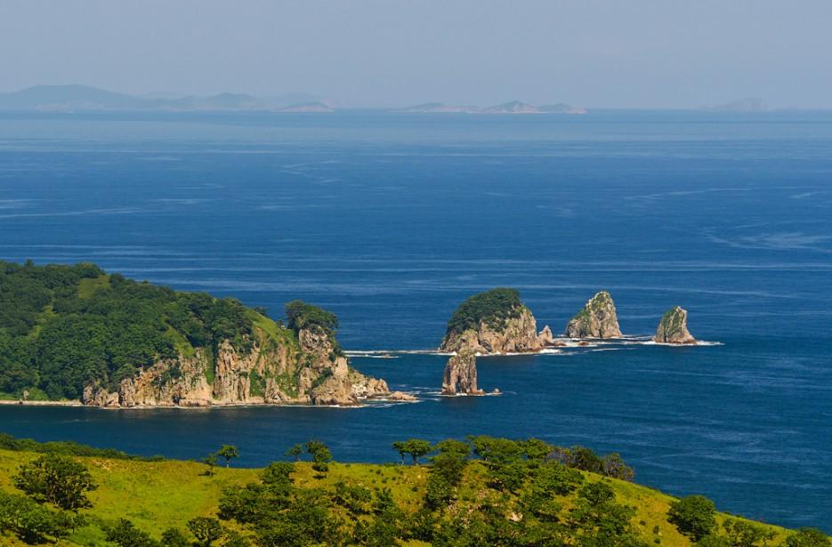 А так же бухту Горшкова и кекуры Бакланьи | Заповедный полуостров Гамова - наперекор ненастью!