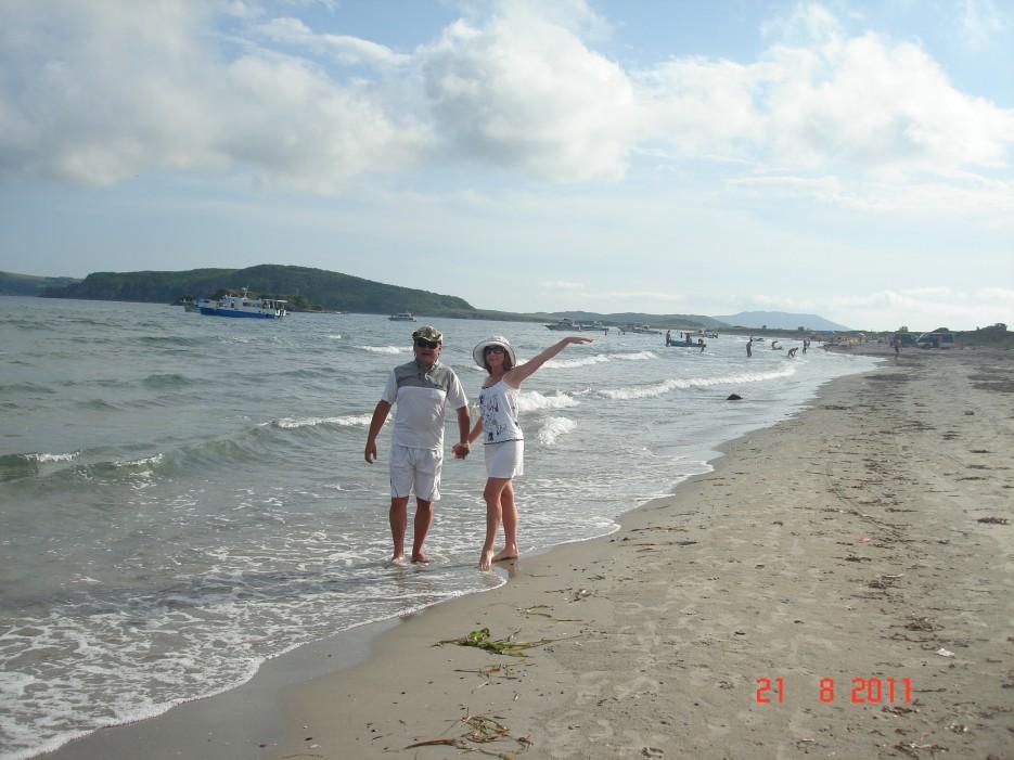 прогулка по пляжу   о. Попов