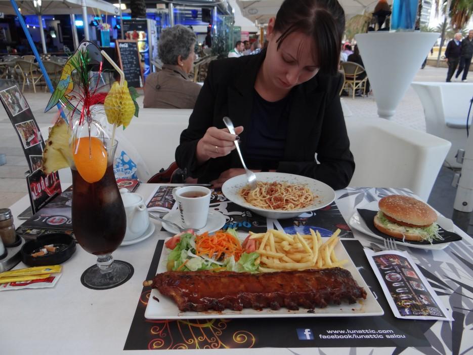 кафе Лунатик г.Салоу   Свадебное путешествие в Испанию