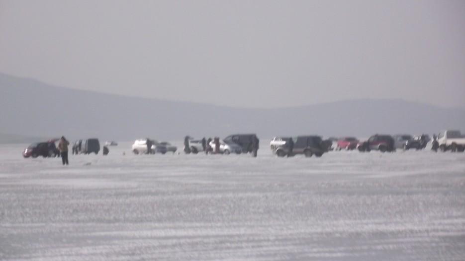 Городок рыбаков на льду бухты Экспедиции. | Ледовый поход Посьет - бухта Экспедиции - озеро Тальми - мыс Островок Фальшивый