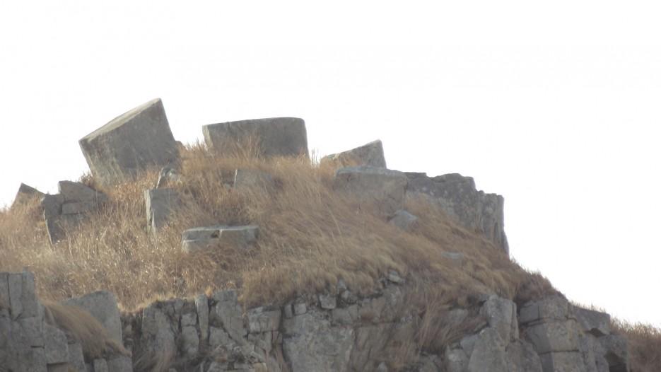 Мегалиты на вершине | Ледовый поход Посьет - бухта Экспедиции - озеро Тальми - мыс Островок Фальшивый