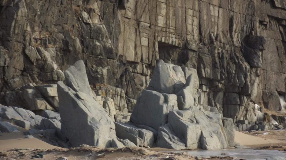 Сегодня Он в ста метрах от берега. | Ледовый поход Посьет - бухта Экспедиции - озеро Тальми - мыс Островок Фальшивый