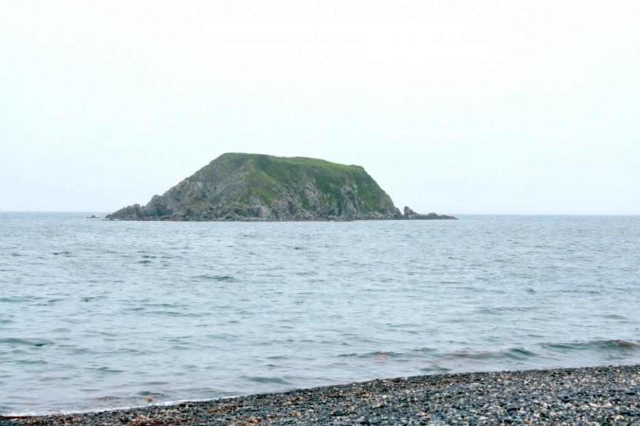 Остров Михельсона | Скала Крепость на въезде в Славянку и полуостров Краббе - штурм в тумане