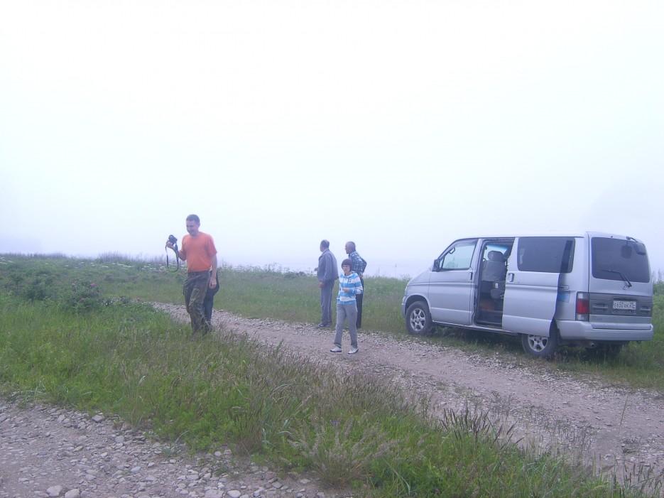 Привал возле дота на перешейке полуострова Краббе | Скала Крепость на въезде в Славянку и полуостров Краббе - штурм в тумане