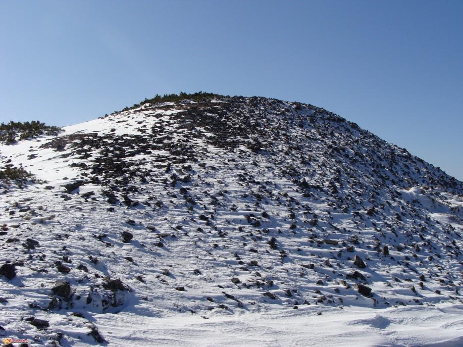 Перед вершиной.   Зима наступила. Подъем на г.Облачная 1854 м. 24.10.2009 года.
