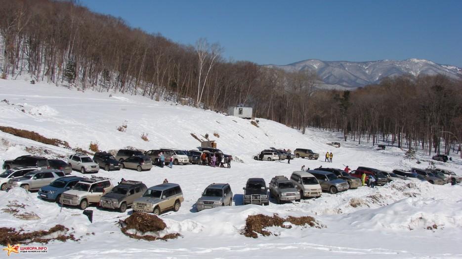 05.Парковка. Ваши машины на парковке всегда под присмотром наших парковщиков. | «Пидан Сихотэ» 8 марта 2010 года.