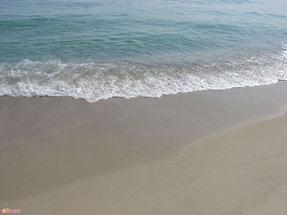 05.Песок и море. | Бухта Триозерье. 5.10.2011 года.